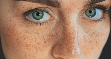 How to Create Stunning FRECKLES without Photoshop – Portrait Photography Tutorial